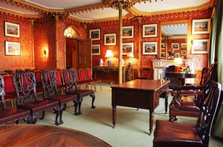 5_royal_pavilion_red_drawing_room