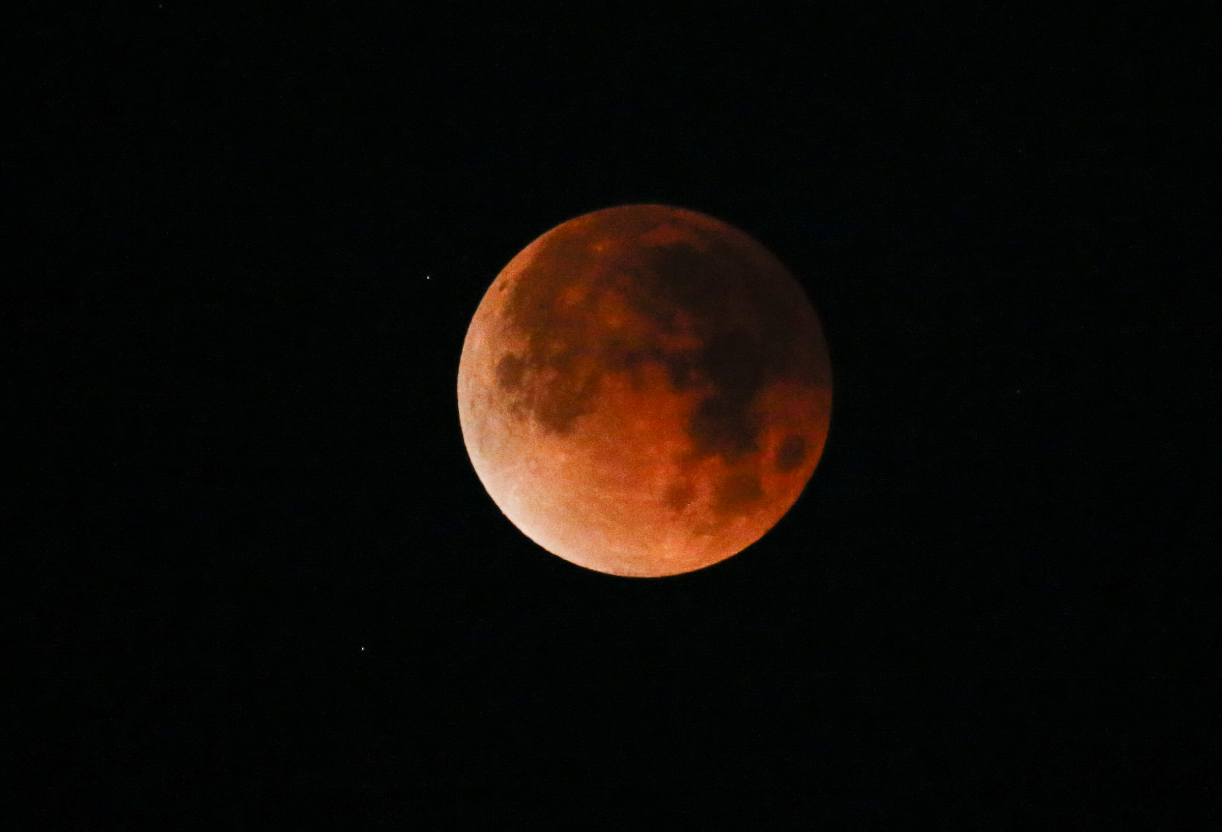 red moon 2019 ireland - photo #1